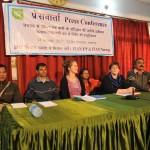 FIAN UP og FIAN Norge holder pessekonferanse i Lucknow, der de informerer om løftene myndighetene har gitt dem.